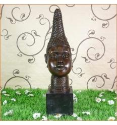 Bronsstaty av en kvinnlig byst