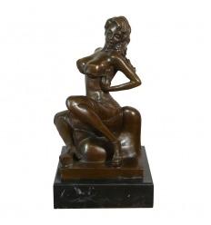 Erotikus bronz egy meztelen nő-szobor
