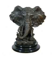 Statua di bronzo di un elefante e il suo elefante