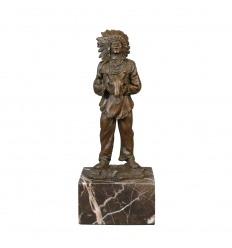 Statue en bronze d'un Indien d'Amérique