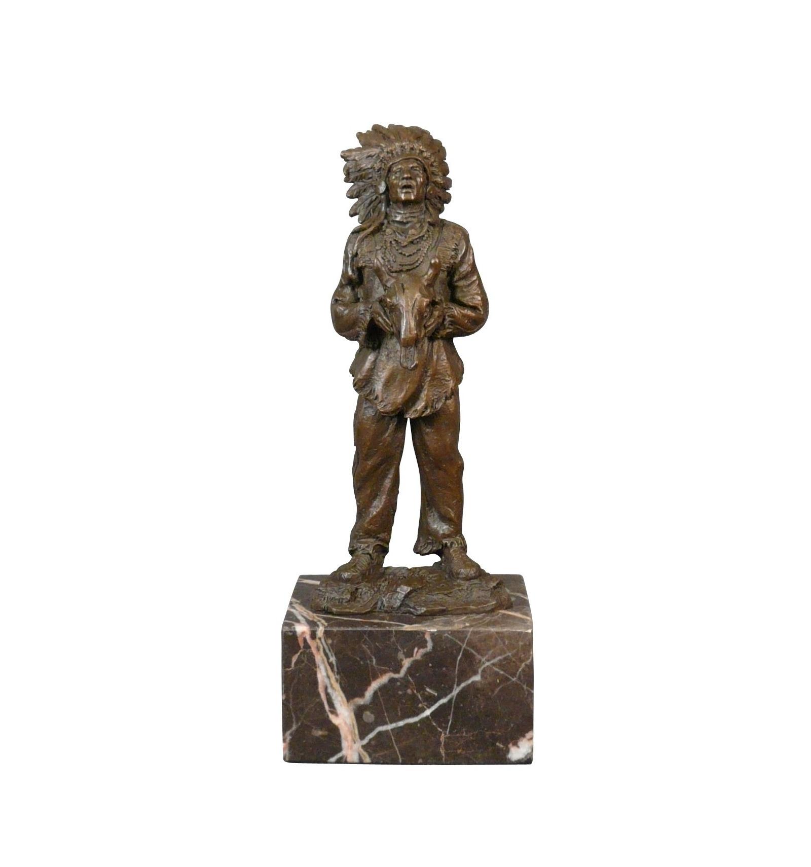 statue en bronze d 39 un indien d 39 am rique sculpture meuble art d co. Black Bedroom Furniture Sets. Home Design Ideas