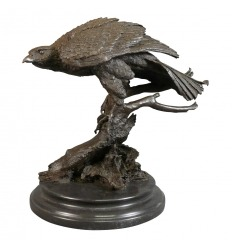 Sculpture en bronze d'un aigle