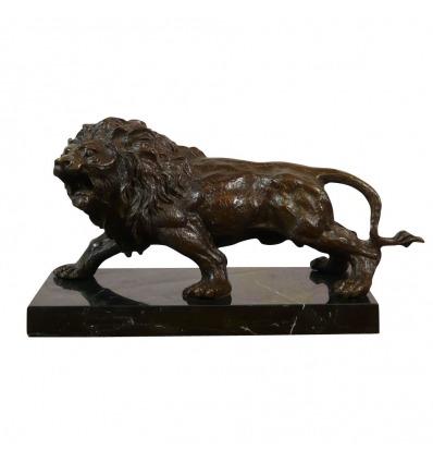 Statue en bronze d'un Lion sur un socle en marbre noir - Bronze à vendre -