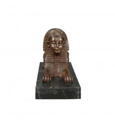 Brons staty av en sfinx