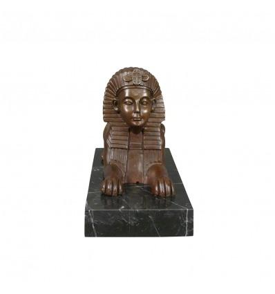 Bronzestatue einer Sphinx -