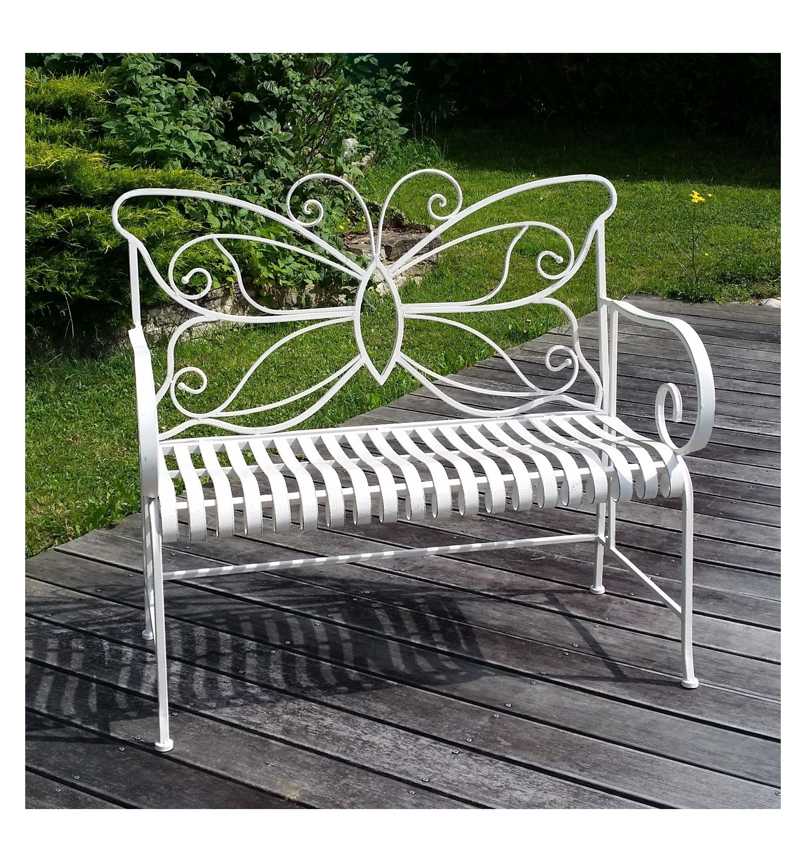 White wrought iron garden bench for Banc de jardin en fer forge