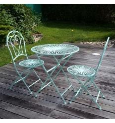 Muebles de jardín de hierro forjado.