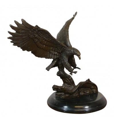 Eagle posa - statua in bronzo - sculture di uccelli -