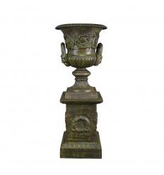 Jarrón de hierro fundido medici en un pedestal - H: 69 cm