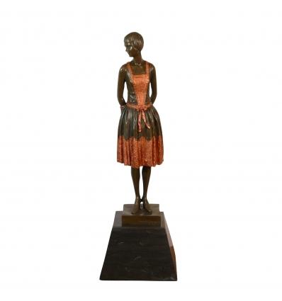 Vendeuse en habit traditionnel - Statue en bronze