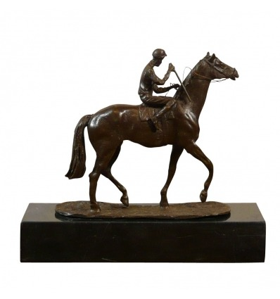Statua in bronzo - jockey, un piccolo equestre in bronzo -