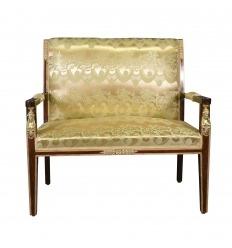Kulta Satiini kangas Empire sohvalla