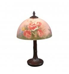 Lámpara floral estilo Tiffany.