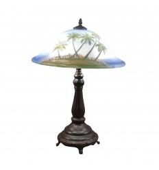 Lámpara de vidrio pintado estilo Tiffany.