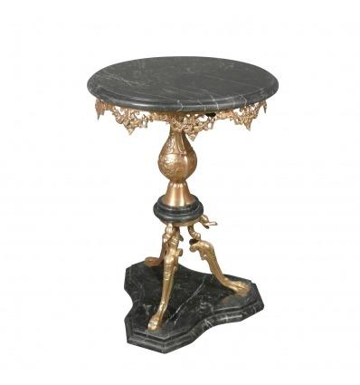 Piedistallo stile di tabella di ritorno dall'Egitto, in bronzo e in marmo nero -