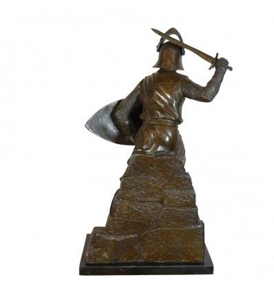 Bronzeskulpturen eines mittelalterlichen Kriegers