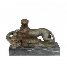 Statue en bronze - La panthère allongée