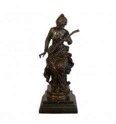 Escultura de bronce - El jugador de laúd