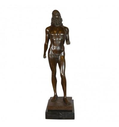 Il guerriero - la Riproduzione di una statua di antichi bronzi di Riace -