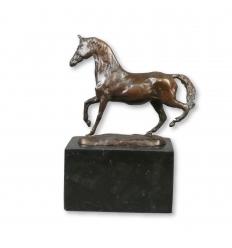 Статуя Бронзовый конь