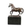 Estatua de bronce de caballo