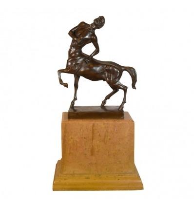 Estatua de bronce - El centauro