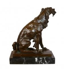 La caza del perro de aguas - Estatua de bronce
