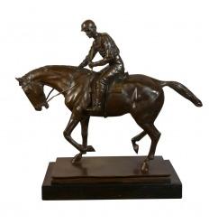 Statue en bronze équestre. Le jockey