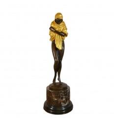 Statue en bronze orientaliste d'une femme