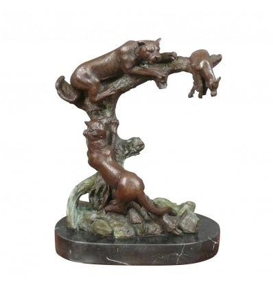 Veistos bronze - pumas metsästys