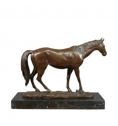 Sculpture d'un cheval en bronze