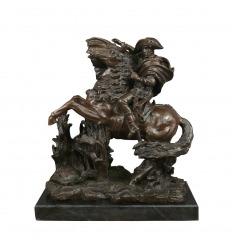 Estatua de bronce de napoleón.