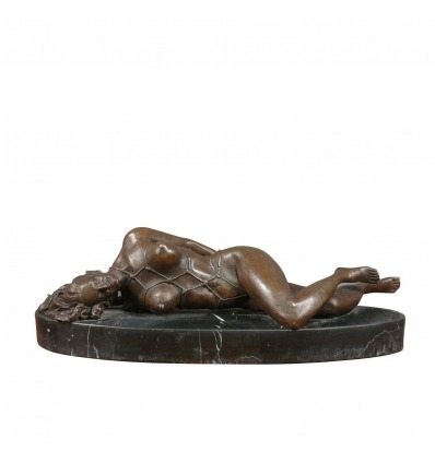 Sculpture en bronze érotique d'une femme nue