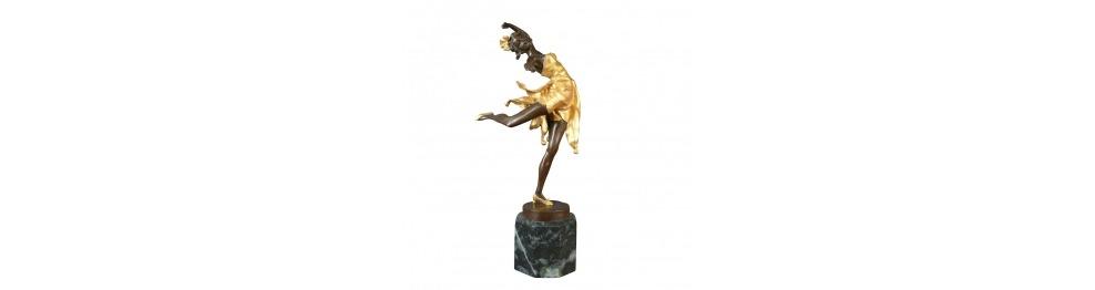 Estatuas de bronce de bailarines