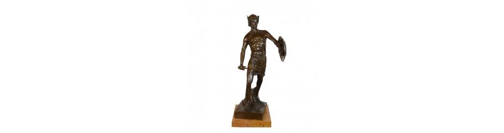 Bronzestatuen von Männern