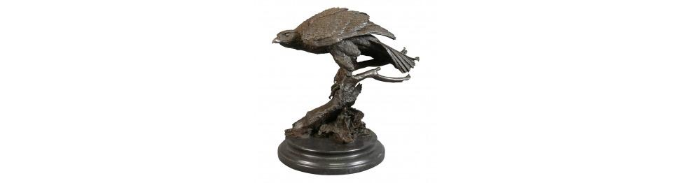 Estatuas de bronce de los pájaros