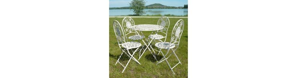 Mobili da giardino in ferro battuto sedie e tavoli in for Mobili da giardino in ferro antichi