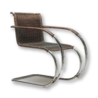 fauteuil massif MR de Ludwig Mies Van der Rohe de 1929.