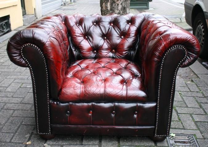 fauteuil Chesterfield en cuir vieilli