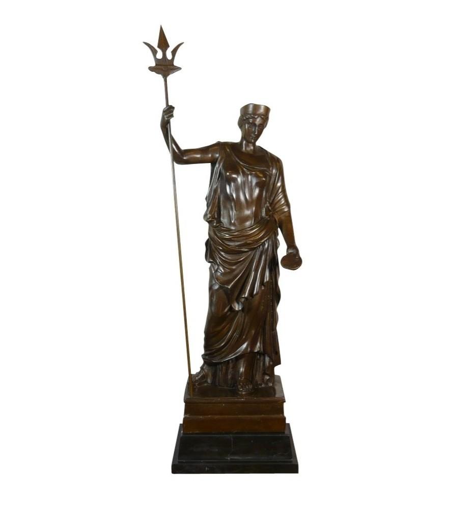 Statue grecque la déesse Héra