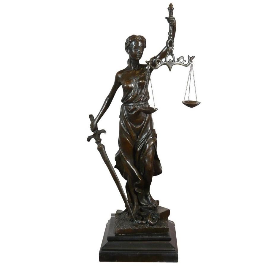 Statue grecque femme - Thémis déesse de la justice