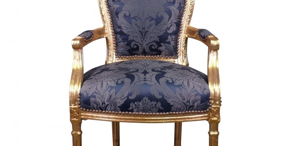 The Louis XVI armchair in a House of the World