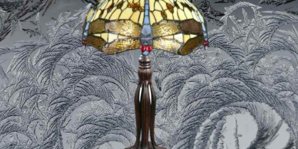 How do you know if your Tiffany lamp is made of glass or plastic?