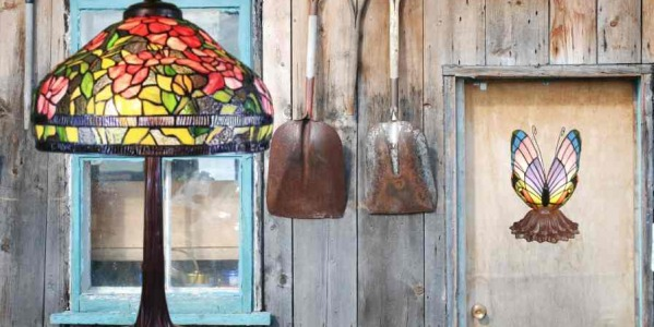 Can we buy a Tiffany lamp at a flea market?